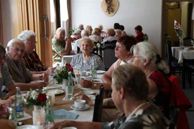 Monatlicher Treff zur Gratulation der Jubilare (Foto: Stadt Schwarzheide)