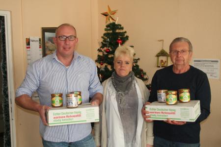 Imkerverein Oschersleben spendet Honig für die Tafel