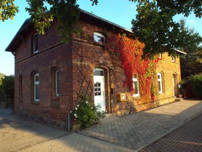 Die alte Post an der B103 ist jetzt ein Wohnhaus.