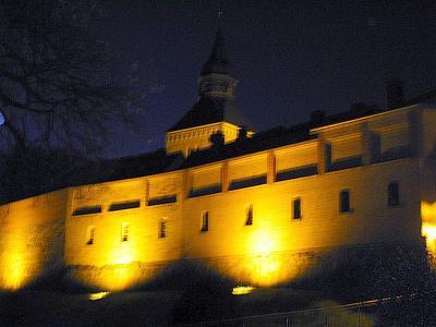Wallmauer beleuchtet