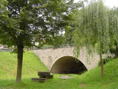 Brücke über den Lämpertsbach in Nazza