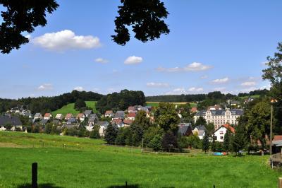 Kleesberg mit Schule