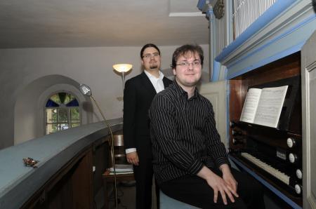 Drasdo Kirche, Orgel mit Christopher Lichtenstein(vorn)