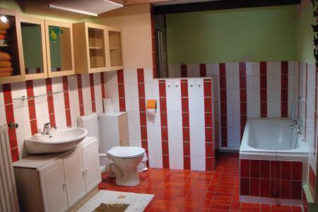 Bad in der oberen Wohnung