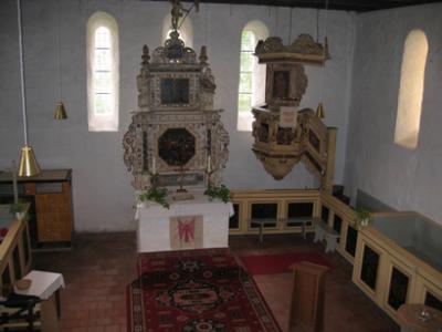 1706 kam ein Altar im barocken Baustil hinzu.