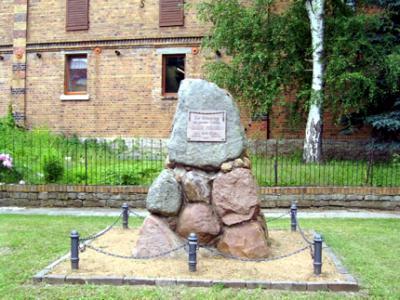 Blick auf das Kriegerdenkmal