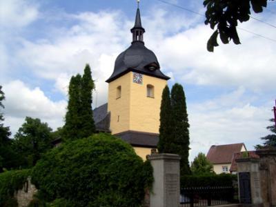 Blick auf die Dorfkirche Mattstedt
