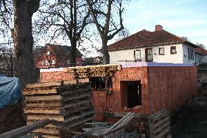 Nebengebäude im Bau