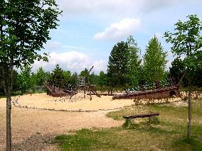 Spielplatz am Mondsee / playground next to the
