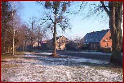 Blick in die Dorfstraße