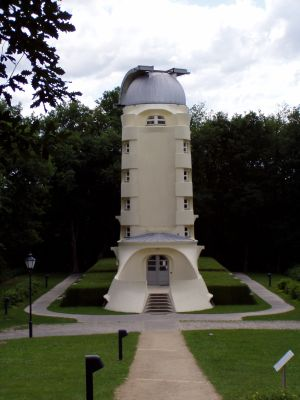 Der Einstein-Turm auf dem Wissenschaftscampus Telegrafenberg.