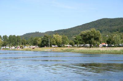 Am Campingplatz Kelbra besteht die Möglichkeit, Bungalows und Wanderhütten zu mieten.