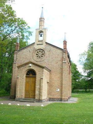 Die restaurierte Kirche in Tantow