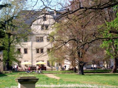 Schloßpark mit Schloß Kromsdorf