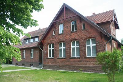 Die alte Schmogrower Schule ist heute ein Vereinshaus.