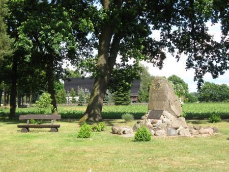 Kriegerdenkmal in Sechzehneichen