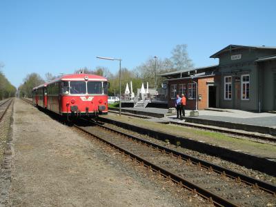 Moorexpress im Bahnhof Deinste