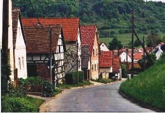 Dorfstraße (Foto: Klaus Enkelmann)