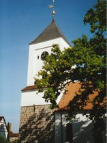 Blick auf die Rhinower Kirche