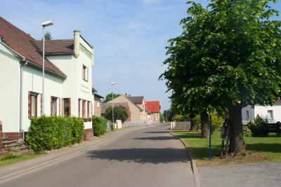 Blick in die Brahmower Dorfstraße