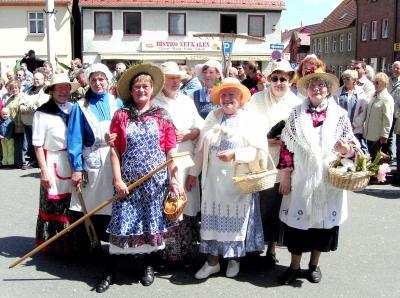 Mitglieder des Heimatvereins zur 725 Jahrfeier am 4. Juni 2006