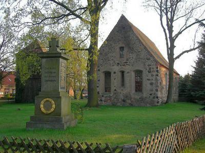 Kirche und Denkmal zu Ehren der Gefallenen im 1. und 2. Weltkrieg