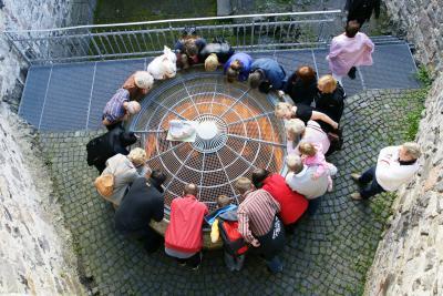 Das bedeutendste Bauwerk auf der Hohenburg: Der tiefe Brunnen