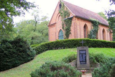 Kapelle mit Ehrchenmal
