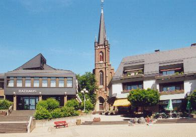Marktplatz Rheinbllen