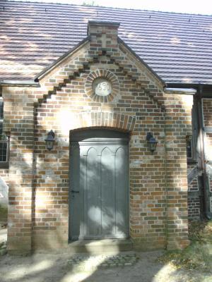Eingang zur Kirche in Wendisch Priborn