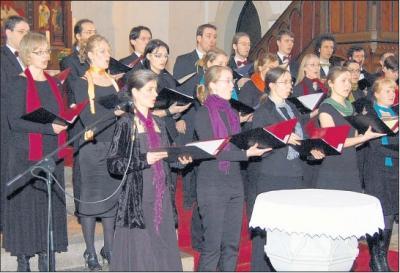Foto zu Meldung: Landesjugendchor begeistert mit höfischer Musik