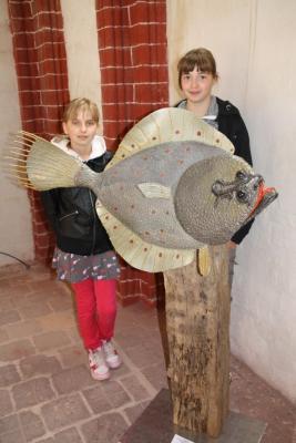 Foto zur Meldung: Fische-Ausstellung inspiriert Schüler