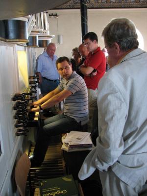 Vorschaubild zur Meldung: Vereinsmitglieder auf Ausflug zu historischen Orgeln im Kehdinger Land und im Land Hadeln