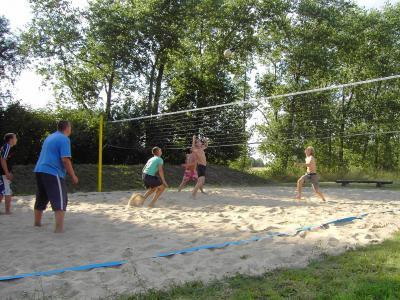Foto zu Meldung: Beachvolleyball in Sernow
