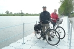 Foto zur Meldung: Pontonbrücke schließt Lücke im Elberadweg wieder