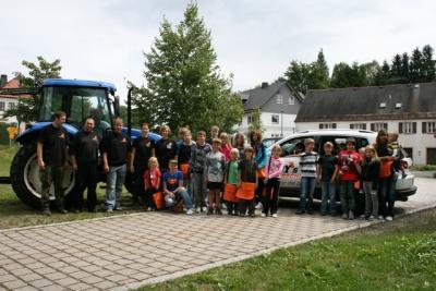"""Foto zu Meldung: Ferienprogramm - Andy's Fahrschule beteiligt sich mit """"Große Maschinen in kleinen Händen"""""""