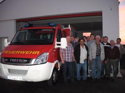 Foto zur Meldung: Ein neues TSF im neuen Feuerwehrhaus – Einweihung im Mai 2011