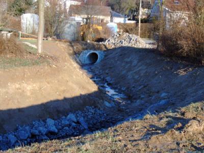 Foto zur Meldung: Kanalbaumaßnahmen 2002/2003 Freilegung Hinterster Bach