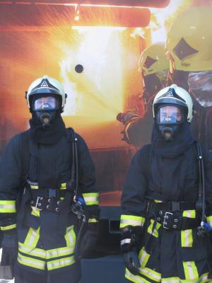 Foto zu Meldung: Ausbildung im Brandübungscontainer