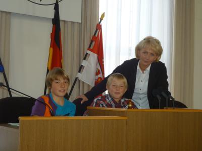 Foto zur Meldung: Zu Besuch im Brandenburger Landtag - 20.Geburtstag