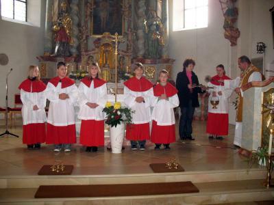 Foto zur Meldung: Feierliche Minstrantenaufnahme am Christkönigssonntag