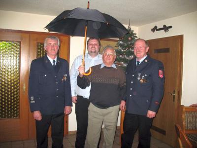 Foto zur Meldung: Harmonischer Kameradschaftsabend bei der Feuerwehr