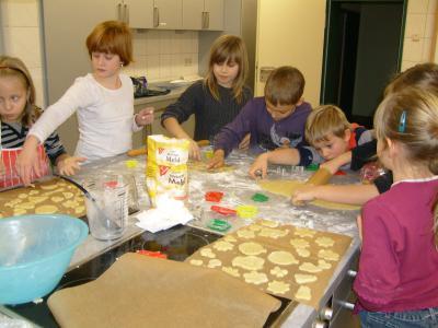 Foto zur Meldung: Weihnachtsbäckerei