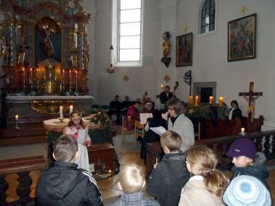 Foto zur Meldung: 4. Adventsonntag feierlich mitgestaltet von den Kindern
