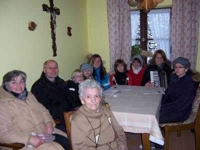 Foto zur Meldung: Ministranten besuchten Senioren in der Weihnachtszeit
