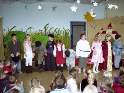 Foto zur Meldung: Weihnachten und Theater in der Schule