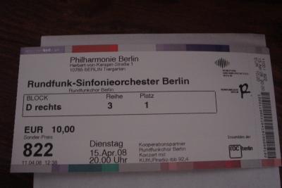Foto zur Meldung: 46 Glöwener Schüler präsentieren öffentlich in der Philharmonie Berlin