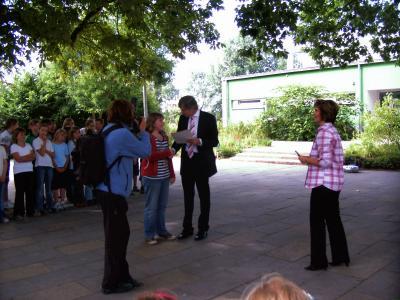 Foto zur Meldung: Staatssekretär B. Jungkamp übergibt Zuwendungsbescheid