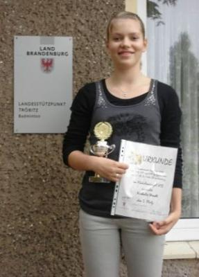 Foto zur Meldung: Norddeutsche Rangliste U13 – U19 vom 26.-28.09.2008 in Hamburg: Natalie Wendt vom BV Tröbitz holt Bronze