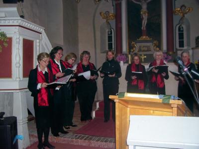 Foto zu Meldung: Choeur Diplomatique in Borgisdorf (Chor des Auswärtigen Amtes) sang am. 11. Oktober